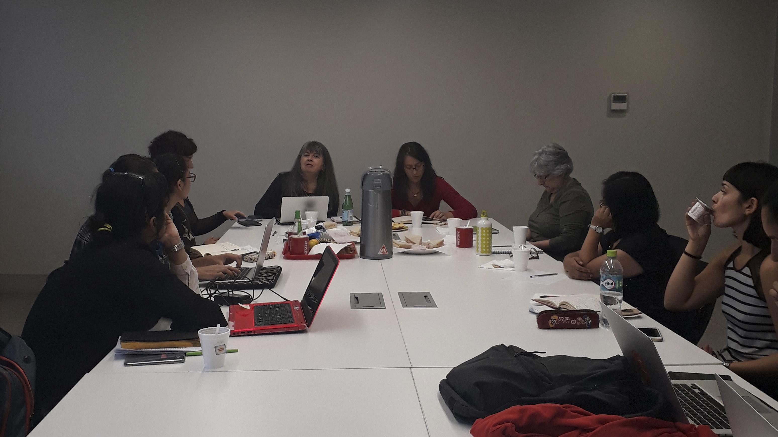 Estudiantes del Doctorado participan en conversatorio sobre violencia de género y migraciones